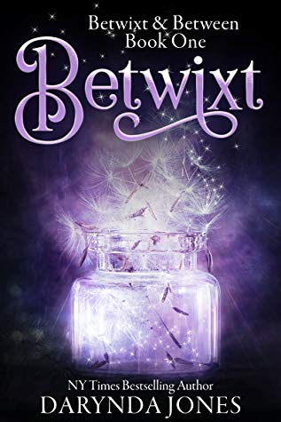 Betwixt (Betwixt & Between #1) by Darynda Jones